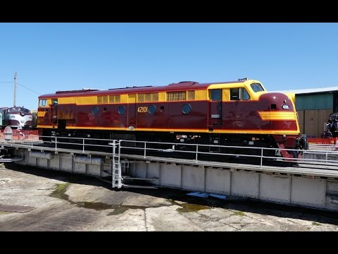 Australia - Historic Diesel 42101 goes for a spin at Goulburn