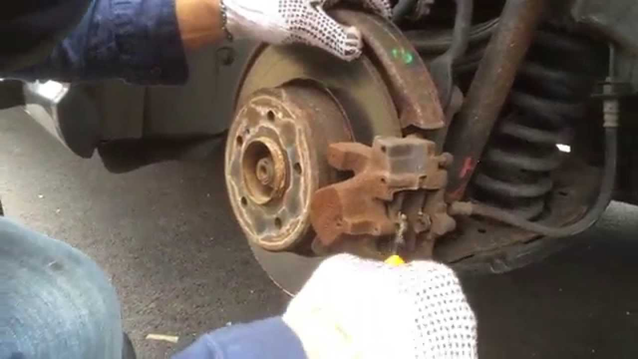 Benz e320 2001 rear brake pads replacement diy doovi for Mercedes benz installing parking sensors aftermarket