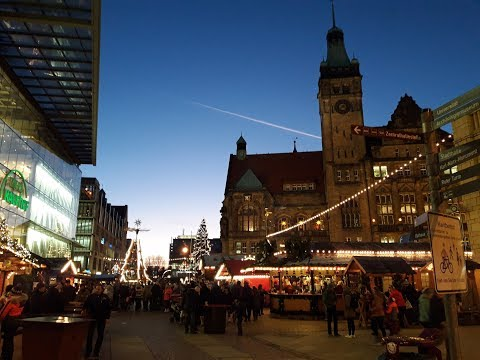 walking-on-the-christmas-market-chemnitz-2017
