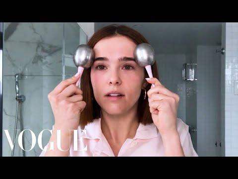 Zoey Deutch's Makeup Guide for Acne-Prone Skin  Beauty Secrets  Vogue