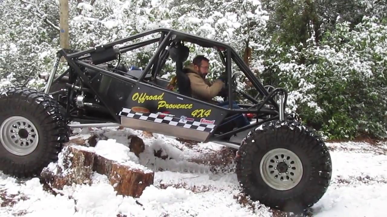 Moon buggy crawler dans la neige - YouTube