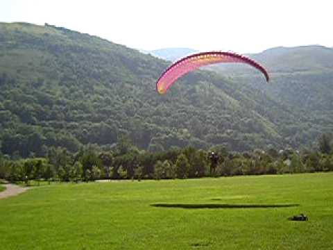 Paragliding in Genos, France