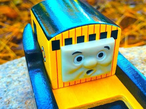Thomas & Friends BULSTRODE Wooden Railway Toy Train Review By Mattel Fisher Price Character Friday