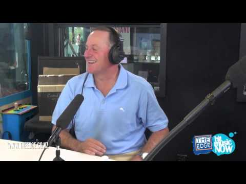 Prime Minister John Key sings 'All I Want For Christmas' for Headphone Karaoke!