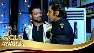 Karan Patel HUGS Karanvir Bohra At The Zee Gold Awards 2017 Red Carpet