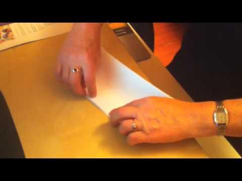 Tuto la pochette cadeau youtube - Comment faire un papier cadeau ...