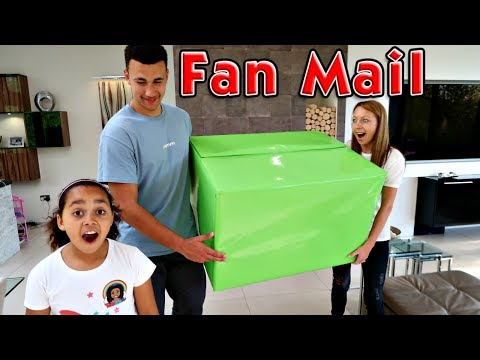 Giant Surprise Toy Box! Presents From My Fans - Shopkins Mega Haul - Kinder Surprise Eggs