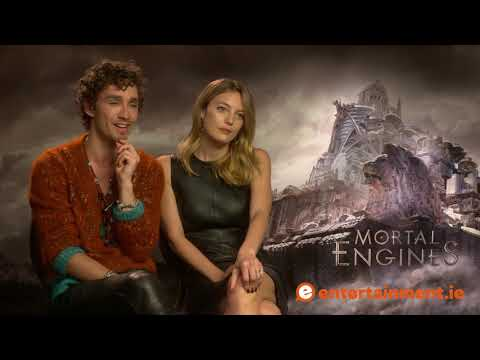 Robert Sheehan and Leila George talk feet, Mortal Engines, and working with CGI