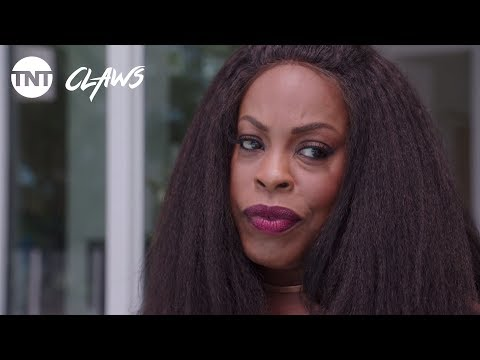 Claws: Poolside Fun - Season 1, Ep.1 [CLIP] | TNT