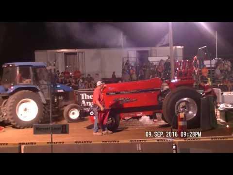 HOT FARM TRACTORS LYNN, INDIANA LYONS CLUB PULL DCTPA SEPT 9, 2016