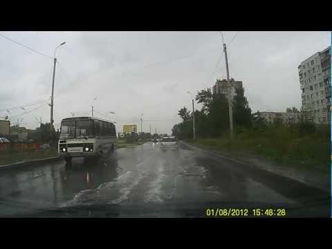 Видеорегистратор Mio MiVue 225.  Пасмурная погода, дождь.  1080p