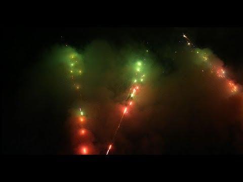 """Ora News - Viti i Ri 2018, spektakël fishekzjarrësh dhe atmosferë festive në Sheshin """"Skënderbej"""""""
