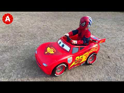 SpiderMan Ouvre Voiture Disney Cars 2 Lightning McQueen