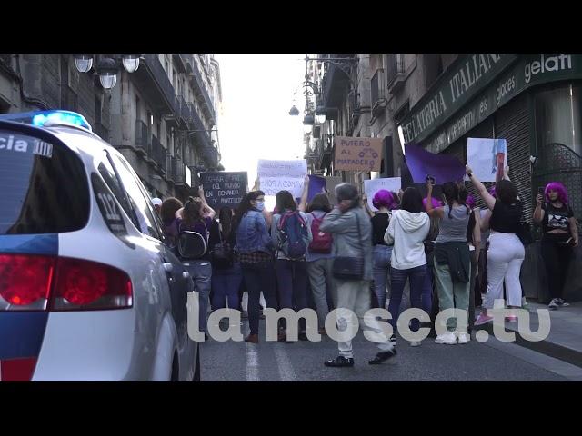 Pitada a Ada Colau en el prego de les Festes de la Mercè 2021 [ contrainfos ]