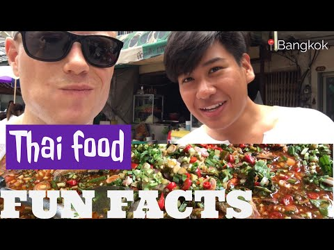How to Eat Thai Food SOUTHERN STYLE 🌶 Streetfood Street Tour + History w/a Local   Bangkok Vlog 06