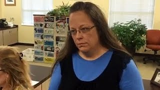 Kentucky County Clerk Kim Davis Defies SCOTUS, Refuses Marriage Licenses to Gay Couples Because God