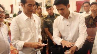 Plays Magic For President of Indonesia Mr. Jokowi - abracadaBRO Best Street Magic Tricks & Prank