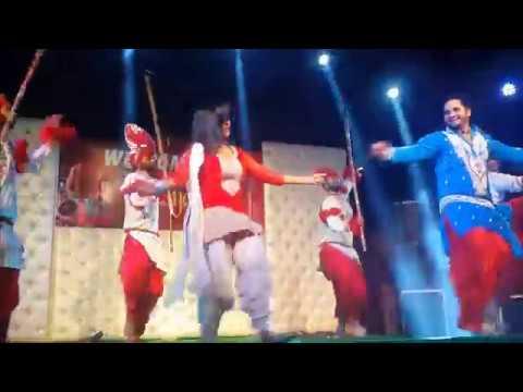 Mele Vich Pain Bolliyan - Beautiful Stage Dance - Sanjay DJ