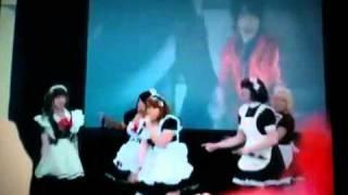 FanimeCon 2011- Day 3- Maids singing Trust Me by Yuya Matsu