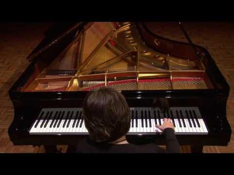 Natasha Vlassenko plays Liszt: Sonetto del Petrarca No. 123
