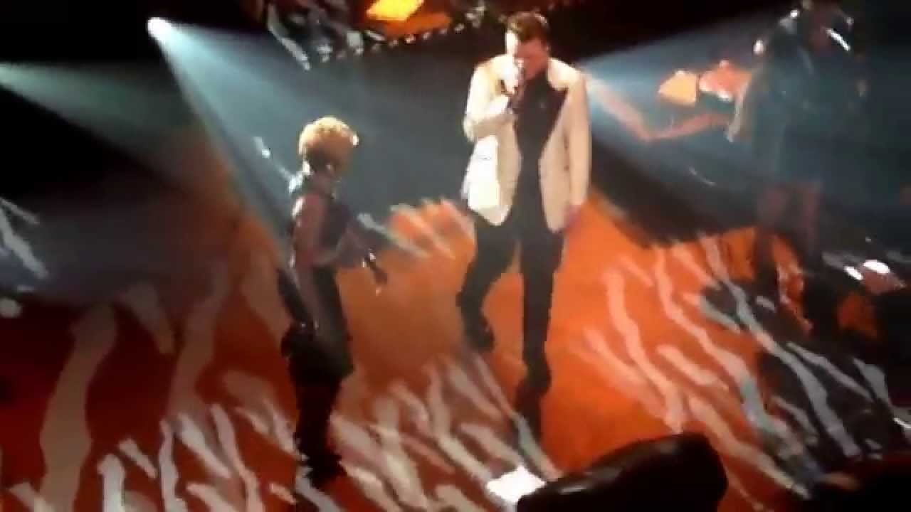 Mary J  Blige Joins Sam Smith for 'Stay With Me' at New York