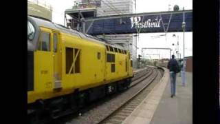 Network Rail 97301 + 97304 Depart Stratford With Thrash !