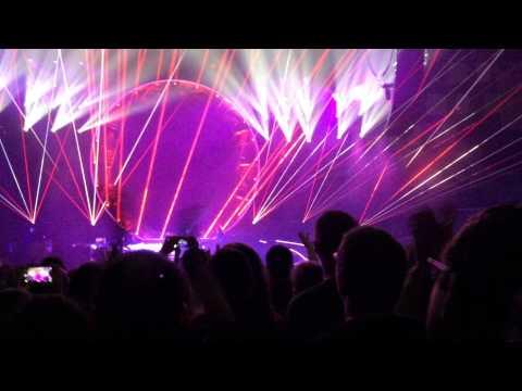 2015-02-01- Queen live in Vienna - Radio GaGa
