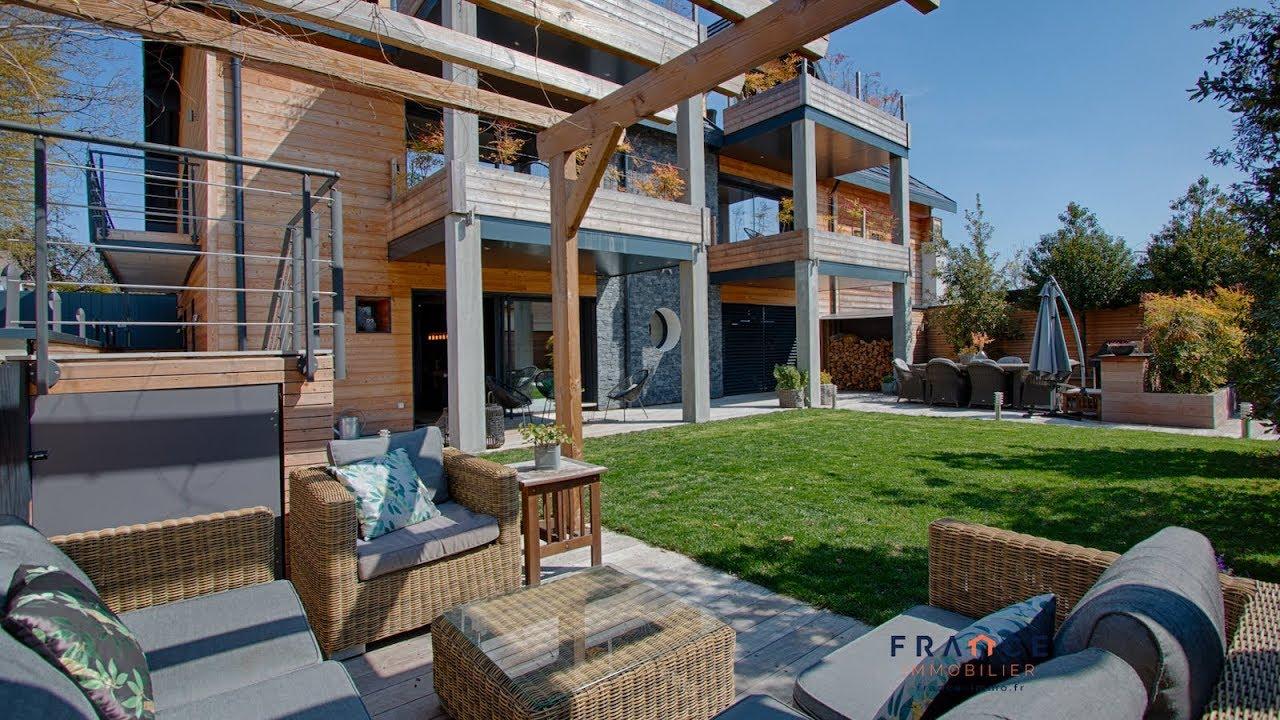 Abri De Jardin Atypique unique et atypique réalisation d'architecte d'environ 250 m2, jardin et  terrasses, piscine et spa.