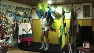 Apresentação de samba PP no Trepa no coqueiro.
