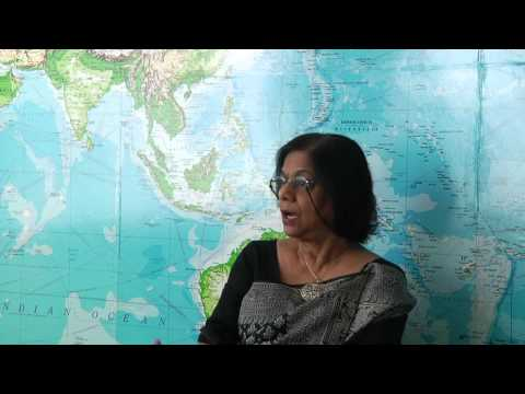 How does contemporary Hinduism both revere and constrain women? - Mandakranta Bose [4 / 5]