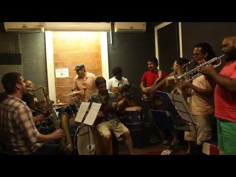 Sapateiro - Wazimbo. Carnaval Céu Na Terra Brasil Moçambique - ensiao da Orquestra