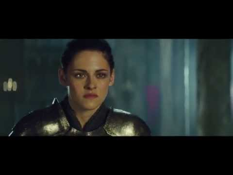Snow White And The Huntsman Clip - Snow White & The Queen Face Off