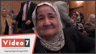 شاهد شجاعة والدة الشهيد أحمد سمير عند تكريمها فى عيد الأم