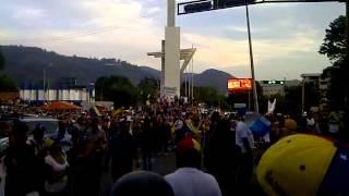 LLegada de la Cruzada Andina al Obelisco en San Cristobal #09A