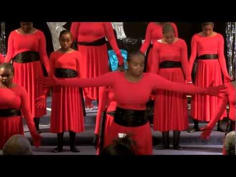 Ricky Dillard The Blood praise dance