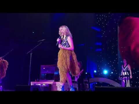 """Babe"" - Sugarland - Still The Same Tour @ Tulsa, OK"