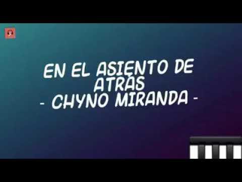 EN EL ASIENTO DE ATRÁS – CHYNO MIRANDA – LYRICS (LETRA)