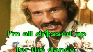 Karaoke Marty Robbing A white sport coat