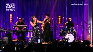 Baixar Anitta surpreende ao cantar MPB