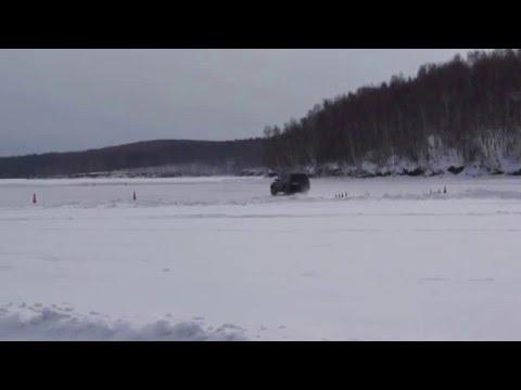 Ритмичный занос Toyota Land Cruiser 100