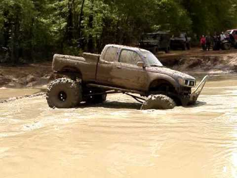 Jacked Up Toyota Tacoma >> Mud Trucks Toyota Tacoma On 44 Boggers Almost Stuck Muddin