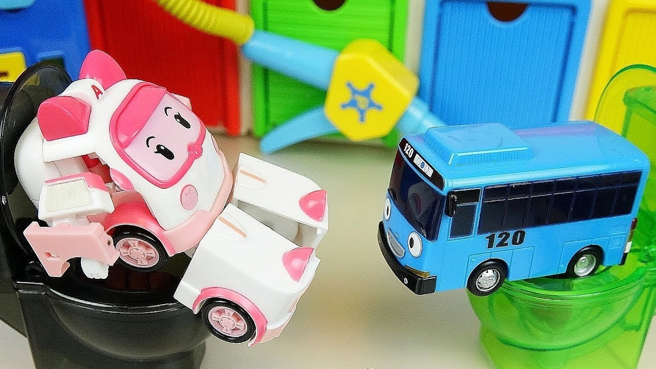 Robocar Poli car toys ambulance Amber Tayo bus Toliet and Gas Station