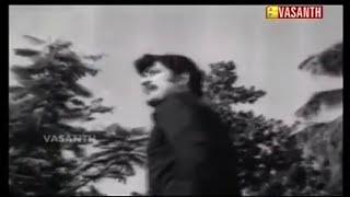 En Kadhal Kanmani Ethetho Ninaithazho Solla Nanam