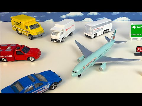 AIR CANADA AIRPORT PLAYSET AIRPLANE WITH DIECAST POLICE CAR BUS CARGO TRUCK FIRE TRUCK