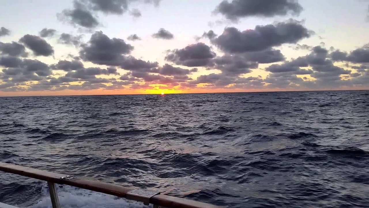 Sunset in the Middle of the Pacific Ocean - YouTube Pacific Ocean Pictures