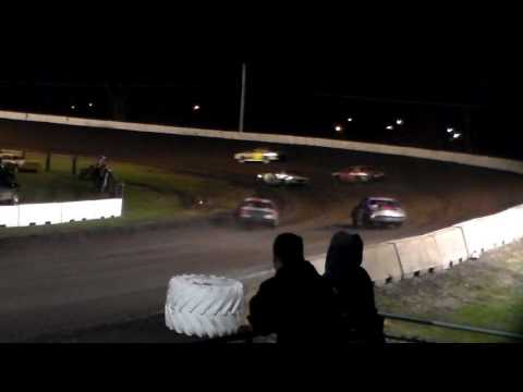 Stock Car Heat 2 @ Fairmont Raceway 04/08/17