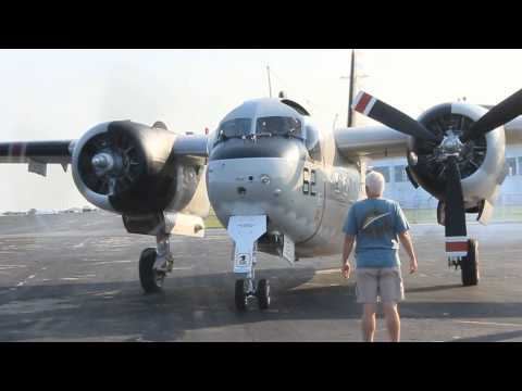 Grumman C-1A Trader engine run (HD)