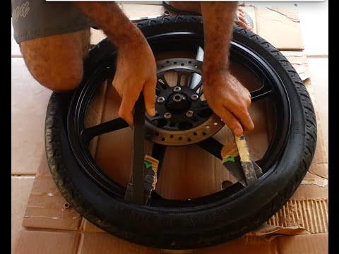 b0492822686 Como trocar do pneu de sua moto ( Parte 1 2 Desmontagem) - YouTube