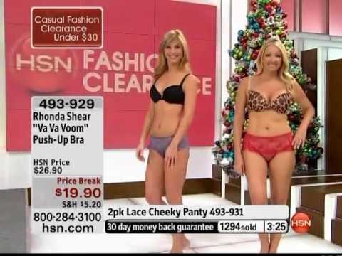 HSN model Regina Christmas Va Va Voom. http://bit.ly/2FRvjJg