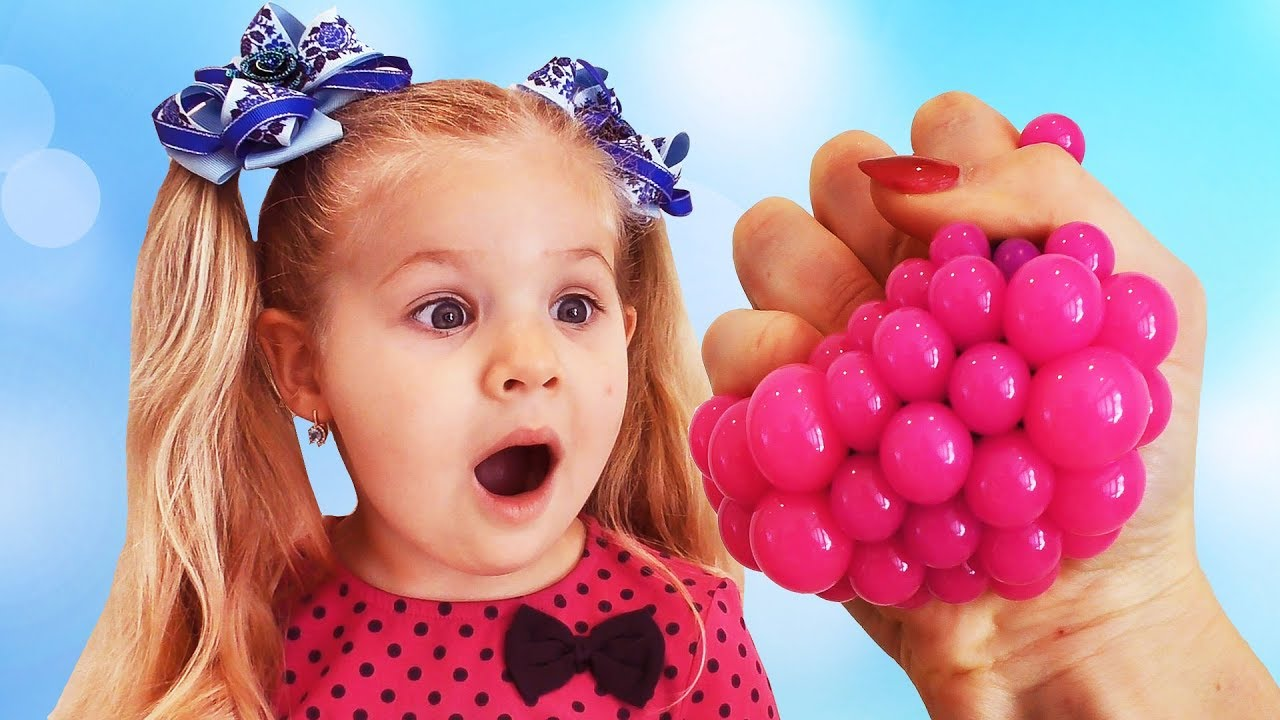 Diana plays with Squishy Balls, video for children & toddlers